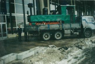 Снимка от внасянето на влакова композиция с кран на централна гара София