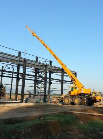 Монтаж на метална конструкция за производствен цех
