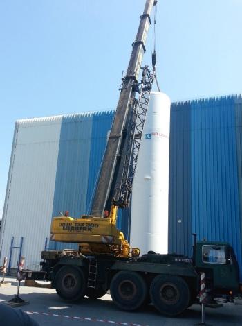 Монтаж на криогенен резервоар на Air Liquide