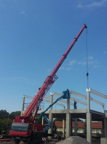 Монтаж на конструкция за производствено хале